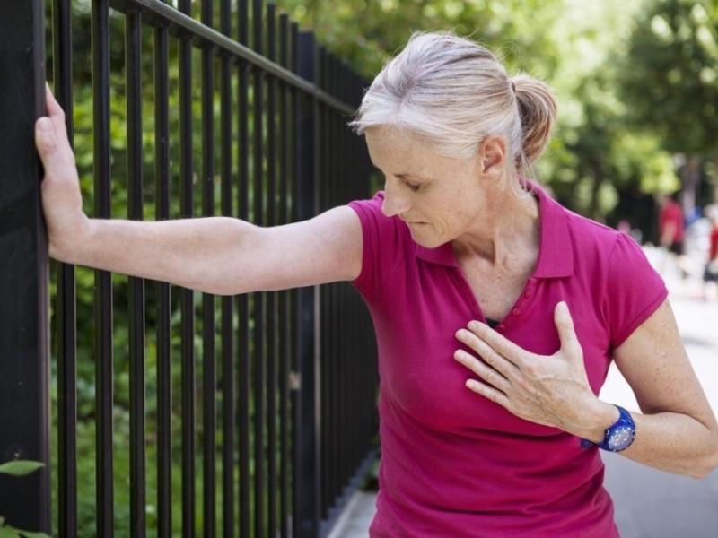 Выходные в жару хотят давать людям с больным сердцем