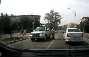В Улан-Удэ внедорожник сбил 11-летнюю девочку на зебре