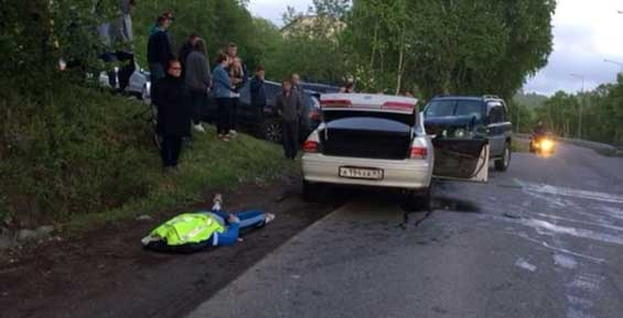 При лобовом столкновении «Тойоты» и «Митсубиси» погиб 30-летний водитель (фото)
