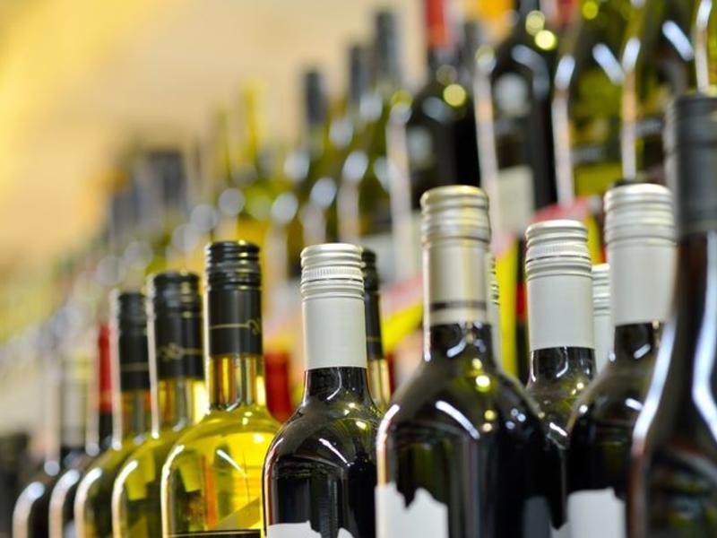 Заксобрание начнёт рассматривать вопрос о времени продажи алкоголя