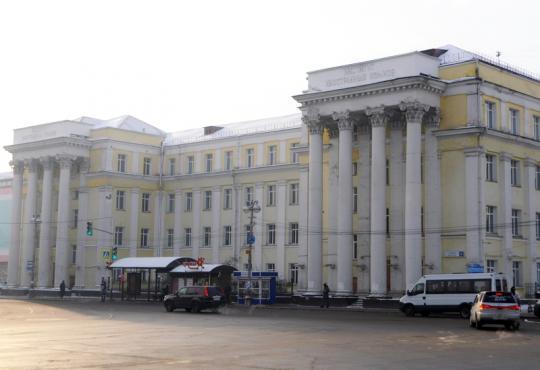 Остановку на сквере Кирова возле ИГУ перенесут в сторону парковки