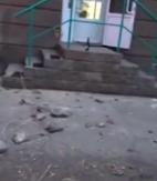 Куски лепнины упали на прохожую в Магнитогорске