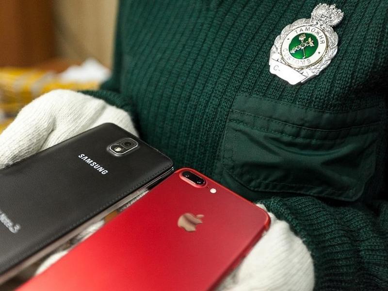 Китаец пытался провезти через госграницу в Забайкалье смартфоны почти на 20 млн р