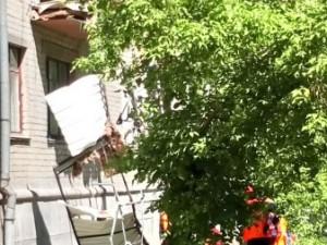Опубликовано видео с места взрыва в жилом доме на ЧМЗ