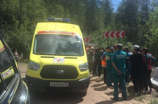 Автобус с монгольскими туристами улетел в кювет в Бурятии