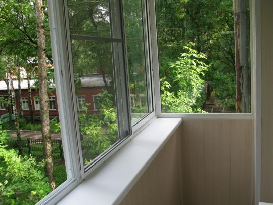 В Бурятии людям запретили остеклять балконы без разрешения соседей и мэрии
