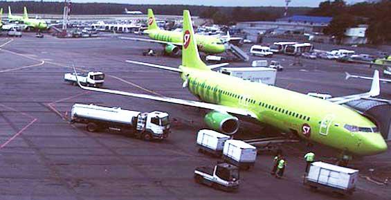 Летевший на Камчатку «Боинг» совершил вынужденную посадку из-за птицы в двигателе