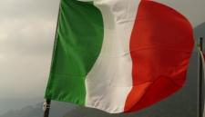 Итальянским спасателям запретили помогать беженцам