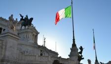 Итальянский премьер призвал отменить автоматическое продление антироссийских санкций