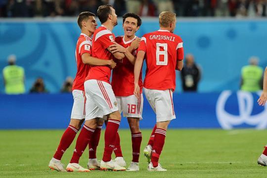 Сборная России обыграла Египет и впервые вышла в плей-офф Чемпионата мира по футболу