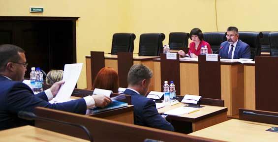 В краевом правительстве заявили, что на Камчатке снизилась задолженность по зарплате