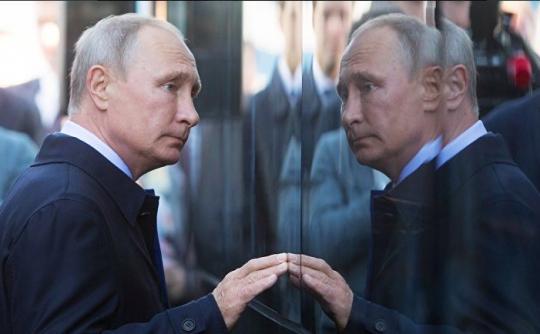 Путин занят