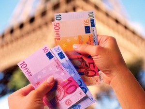«Яндекс.Деньги» опубликовали сколько челябинцы тратят за границей