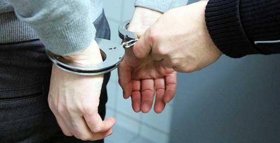 Житель Камчатки укусил бедро полицейского и на четыре года скрылся от следствия в Крыму