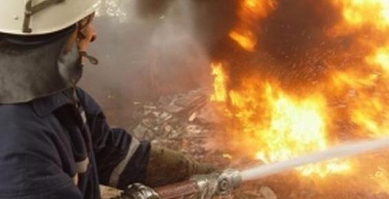 В Петропавловске на улице Космонавтов посреди ночи сгорел гараж