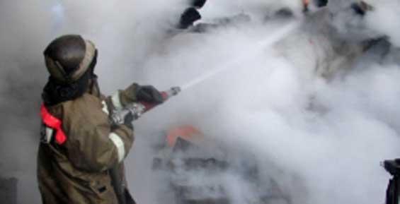 Благодаря случайному свидетелю пожарным удалось спасти склад с пластиком