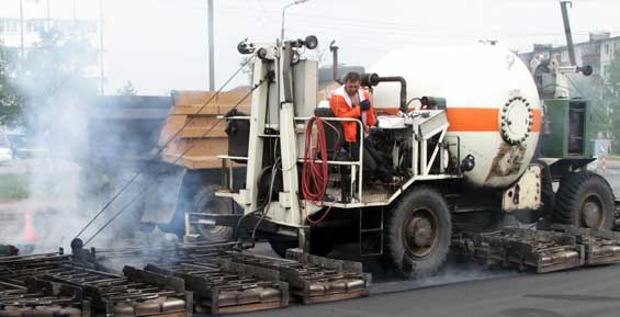 В Петропавловске ремонт дороги на Силуэте доверят ремиксеру