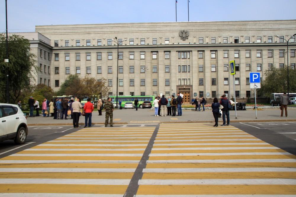 В Иркутске запретят парковаться у здания правительства