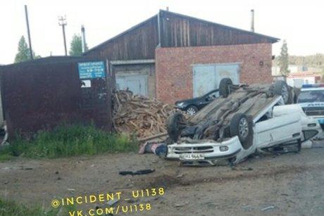 Иномарка перевернулась в Усть-Илимске: водитель погиб