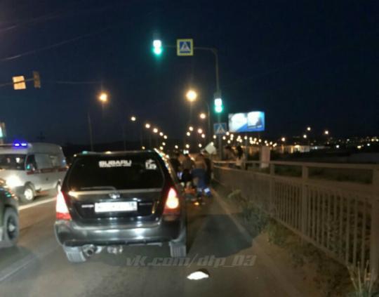 Мужчина погиб, угодив под колеса иномарки в Улан-Удэ. Видео