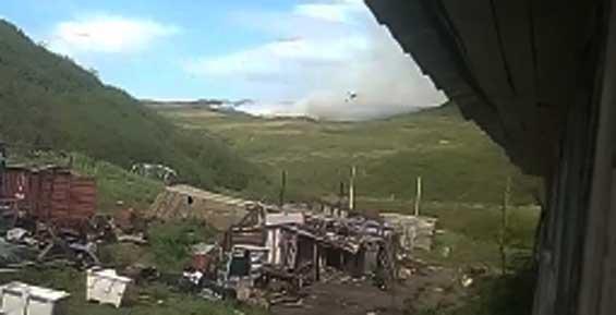 На Камчатке природный пожар приближается к селу Усть-Вывенка (видео)