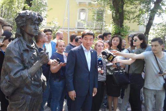 Виктор Цой на улицах Алма-Аты