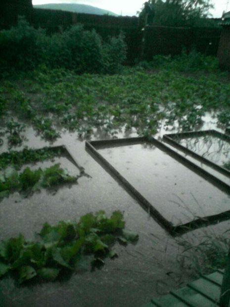 Район «Пески» «утонул» во время ливня в Чите