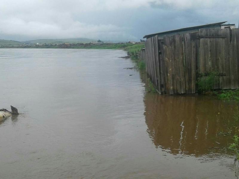 Уровень воды в реках возле трёх сёл Забайкалья продолжает расти