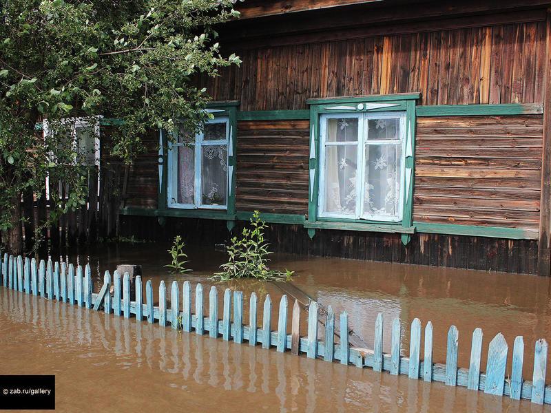 Замполпреда президента в СФО о работе при наводнении: Средняя температура по больнице не проходит