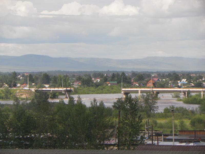 Решение о восстановлении рухнувшего моста в Чите примут после спада воды