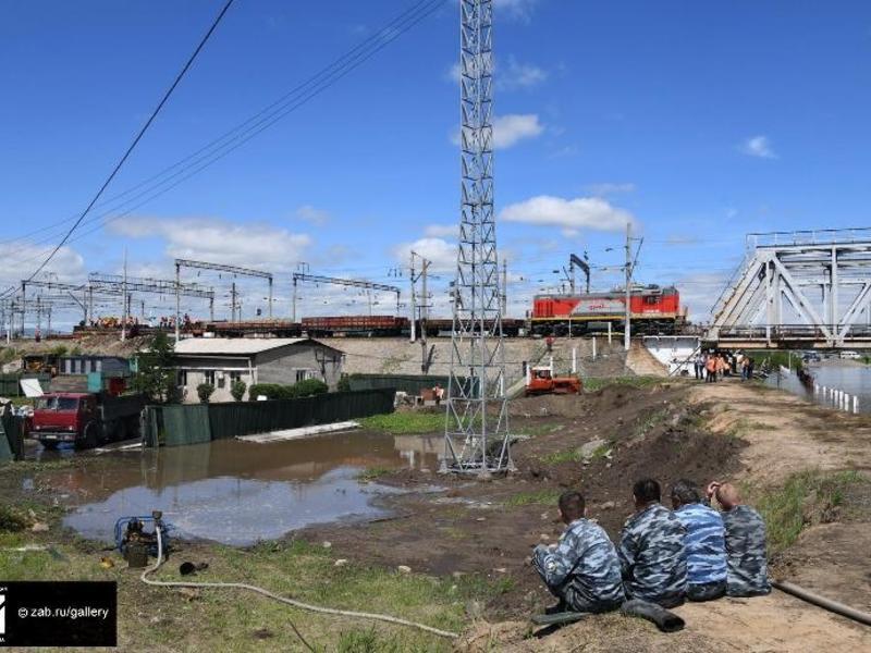 Об очистке улиц от наносов песка и откачке воды рассказали власти Читы