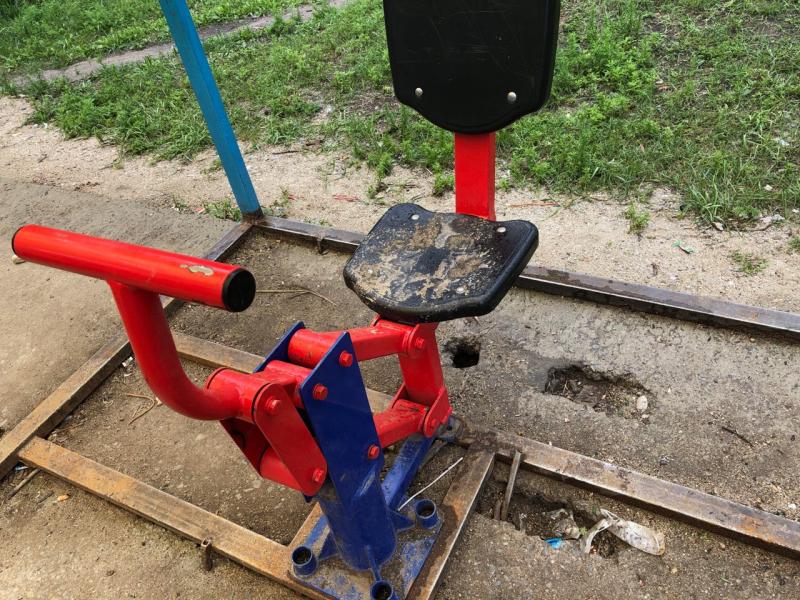 «Забор» посреди поля и «решето» - ОНФ проверил детские площадки в Забайкалье