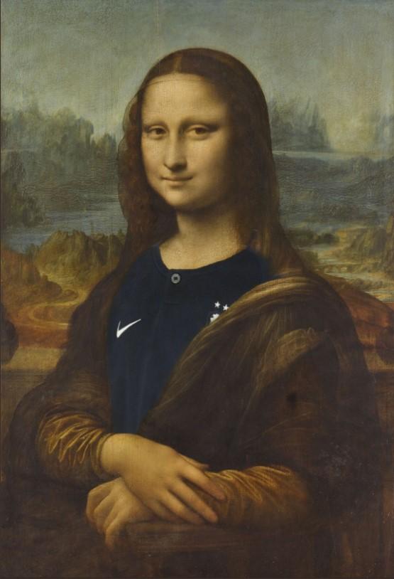 Мона Лиза «переоделась» в честь победы сборной Франции на ЧМ-2018