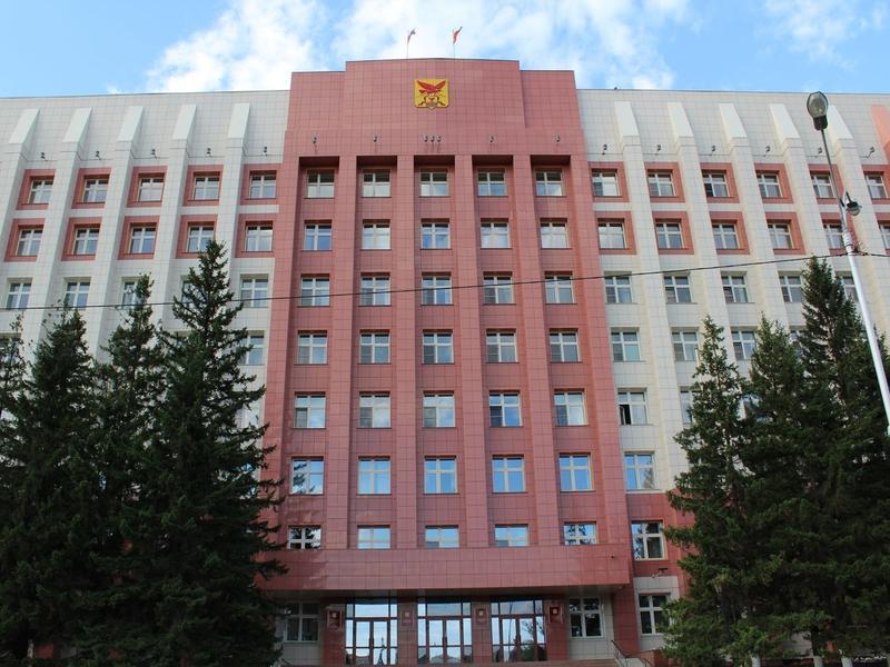 Кочергин не стал называть пенсионеров, работающих во власти