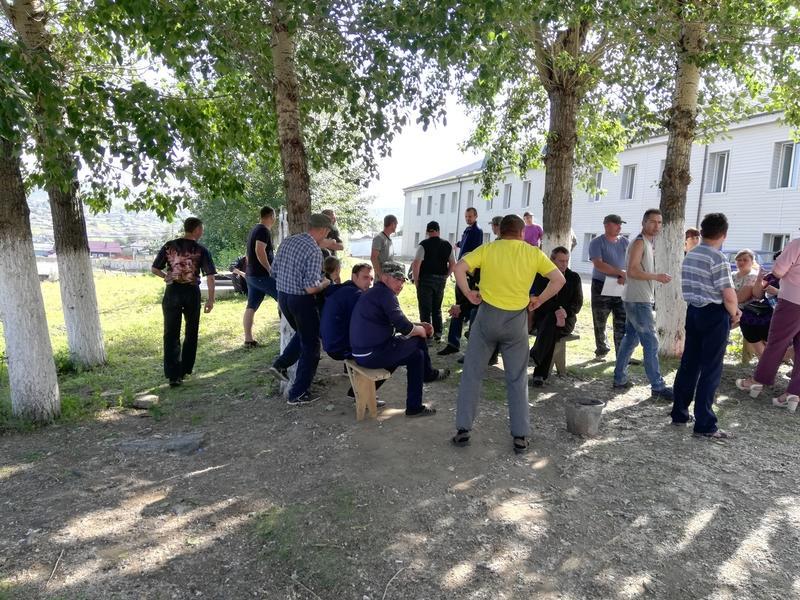 Бастующие в Забайкалье шахтеры готовы привести своих детей