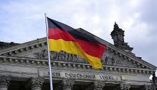 Германия подсчитала колоссальные убытки из-за мигрантов