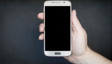 Дешёвые смартфоны следят за своими владельцами