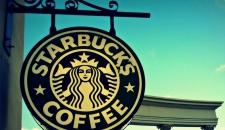 Starbucks избавится от пластиковых трубочек