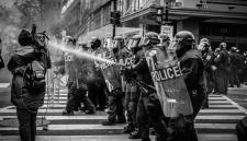 Французы закончили праздновать победу на ЧМ смертями и массовыми беспорядками