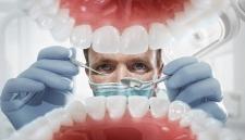 Китайцы придумали, как безопасно отбелить зубы