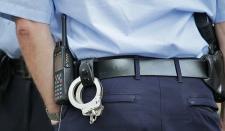 Американский полицейский спас человека за секунду до смерти