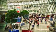 Авиапассажиры смогут не взвешивать портфели и сумки