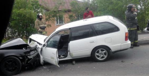 В результате аварии в Петропавловске пострадали два человека