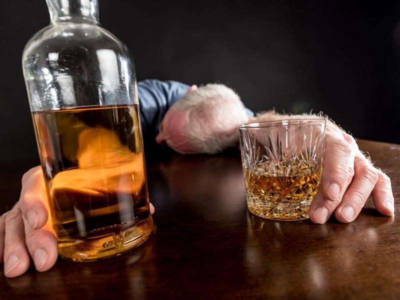 Трое мужчин в Карымском районе умерли после распития алкоголя