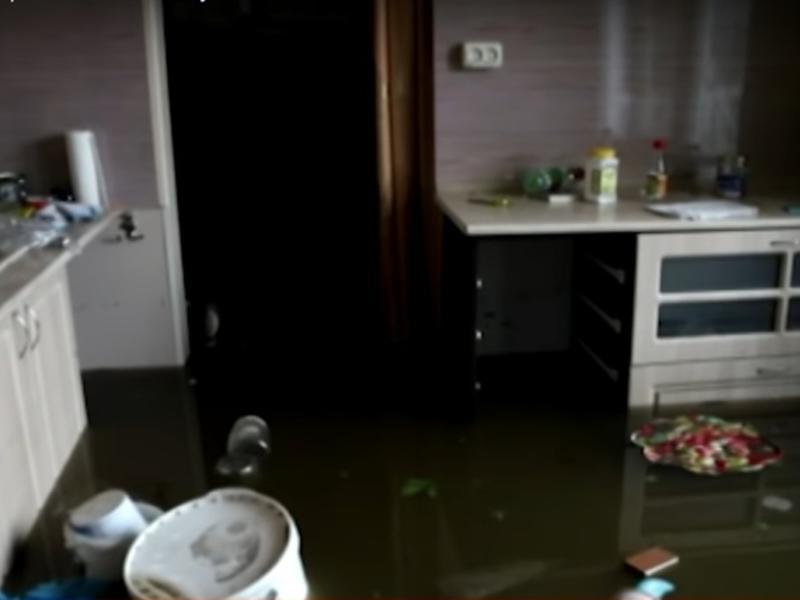 Власти Читы признали, что предупредить о наводнении успели не всех горожан - РенТВ
