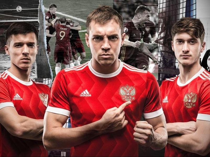 Футболисты сборной России пообещали «идти дальше и пройти Испанию»