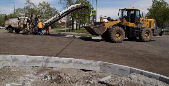 В Петропавловске подрядчики за свой счет исправляют дефекты на дорогах
