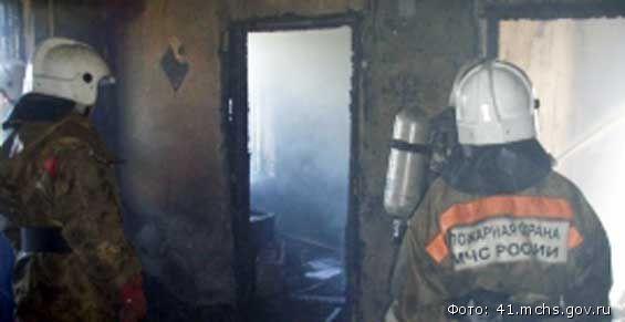 Пожарные потушили квартиру в Петропавловске