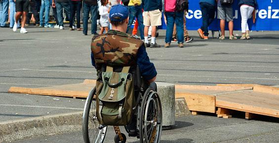 Прокуратура добивается, чтобы власти Елизова помогли инвалиду-колясочнику