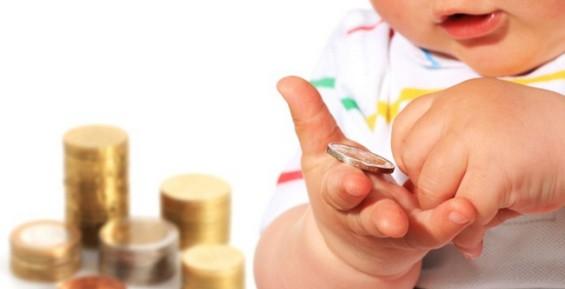 С начала года более 300 камчатских семей получили материнский капитал